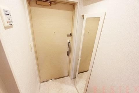 姿見完備の玄関