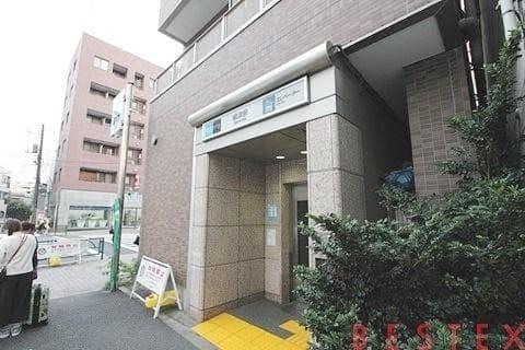 千代田線根津駅