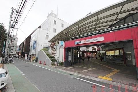 丸ノ内線本郷三丁目駅