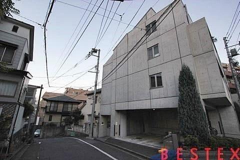 2004年築