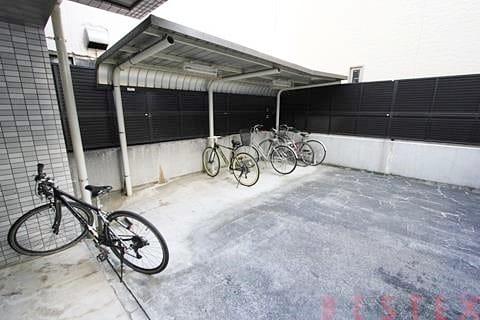 駐輪場完備