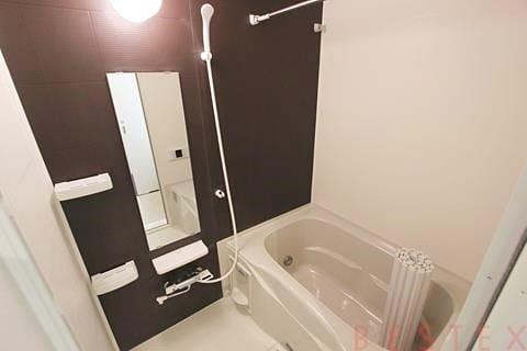 浴室乾燥機・追い焚き機能完備
