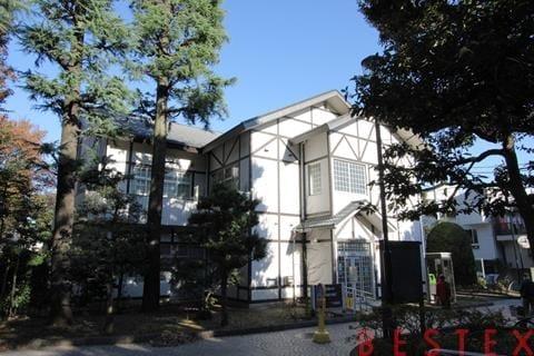 大塚公園みどりの図書館