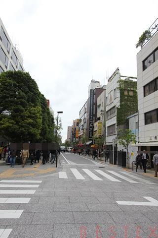 御茶ノ水駅前