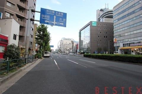 春日駅徒歩4分