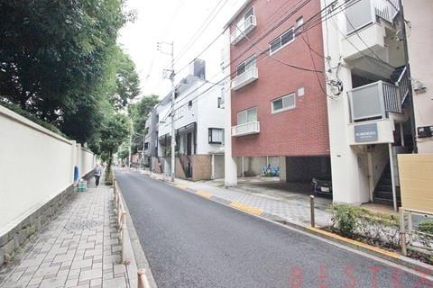 上野公園徒歩4分