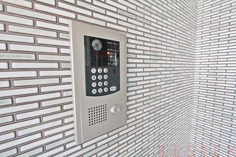 モニター付オートロック完備