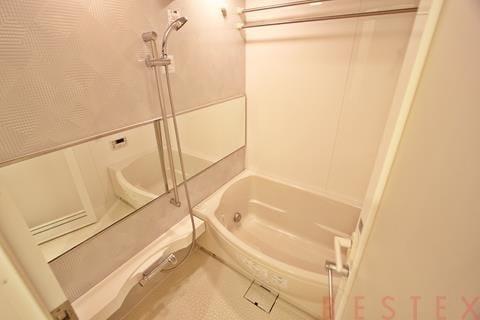 給湯追い焚き機能付広々バスルーム