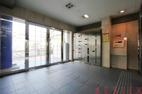 ベスト御茶ノ水 1階