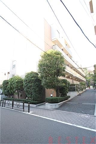 AZ本郷菊坂 206