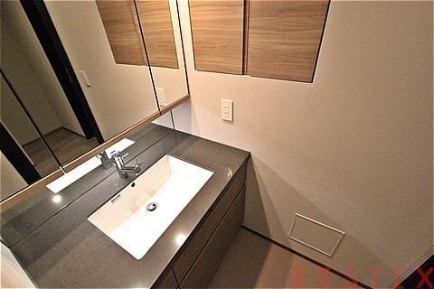 三面鏡・独立洗面台