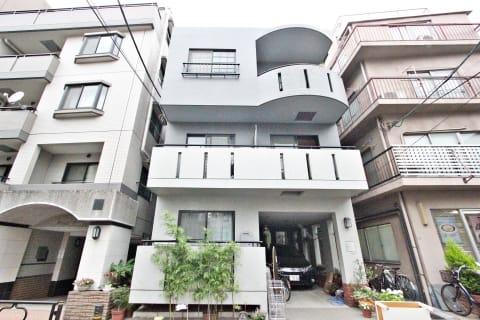 鉄筋コンクリート造地上4階建て賃貸マンション