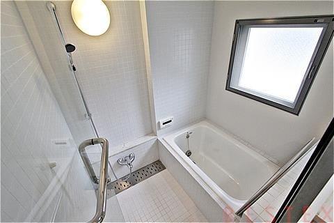 給湯追い焚き機能&浴室乾燥機完備