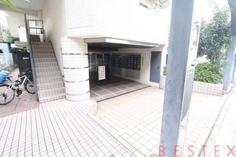 日神パレステージ本駒込 B1階
