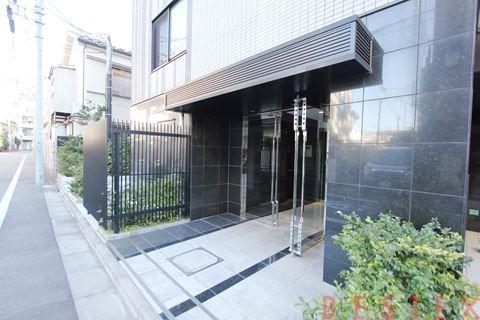 ロアール大塚 1階
