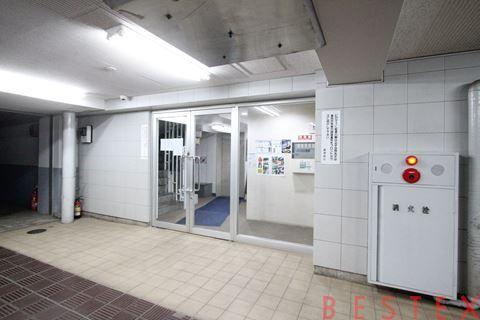 ドミール千駄木 4階