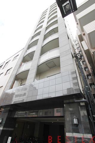 ラグジュアリーアパートメント文京根津 11階