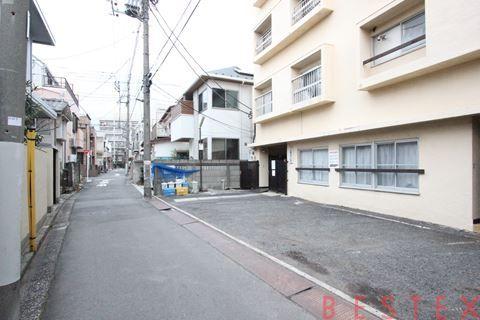 小石川マンション 1階