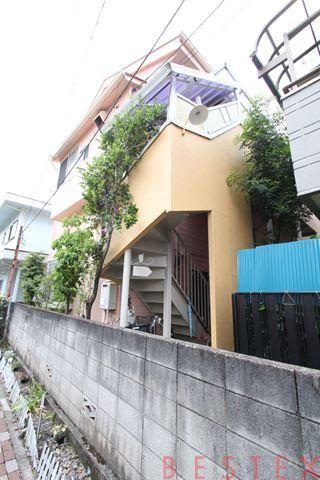 TOU HOUSE 102